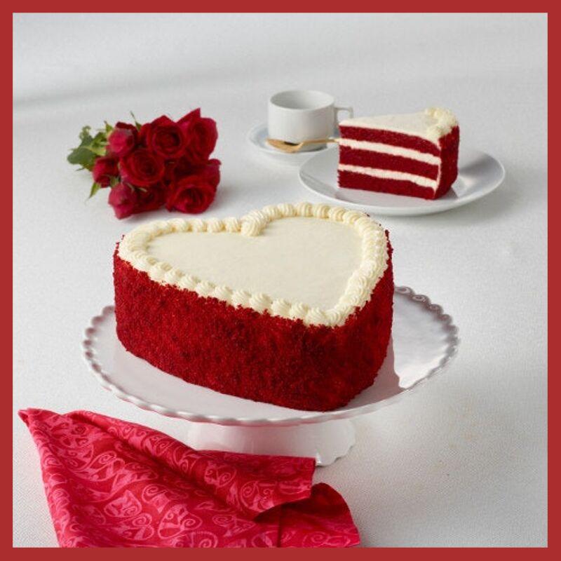 Swell Top 5 Romantic Birthday Cake Ideas For Girlfriend Kingdom Of Cakes Funny Birthday Cards Online Elaedamsfinfo